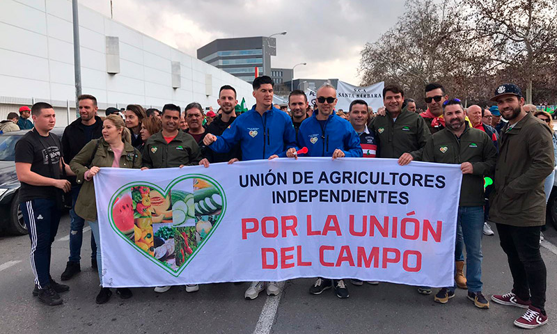 Agricultores Independientes ayer en la manifestación de Granada. /joseantonioarcos.es