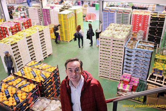 Mercabarna garantiza el suministro de alimentos