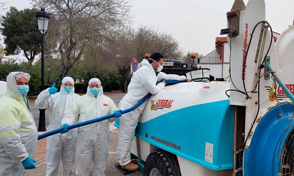 Los agricultores prestan sus equipos para desinfectar el país de coronavirus. COVID-19. /joseantonioarcos.es