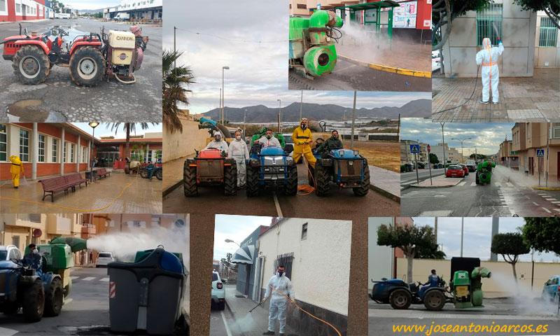 Agricultores y tractoristas desinfectan las calles de El Ejido contra el coronavirus. Covid19 /joseantonioarcos.es