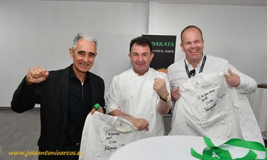 Martín Berasategui con Javier Bernabéu y con Basile de Bary. /joseantonioarcos.es