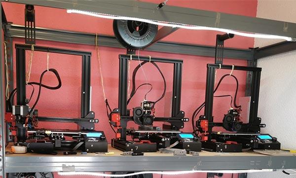 Impresoras para fabricar mascarillas frente al coronavirus. /joseantonioarcos.es
