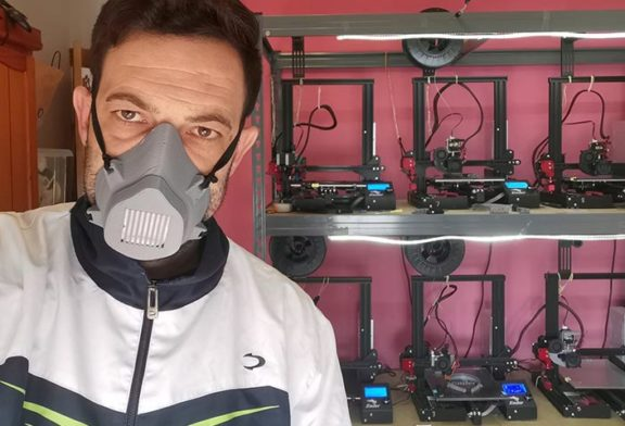 Un emprendedor de Vícar fabrica mascarillas para sanitarios