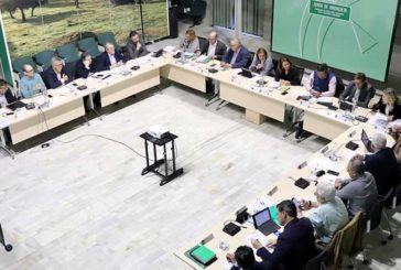 Crespo presenta 3 medidas para financiar al sector agrícola